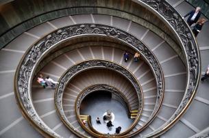 escalera-museos-vaticanos